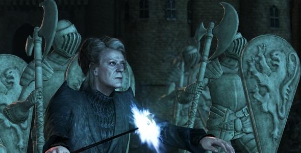 Minerva McGonagall com seu exercito de armaduras